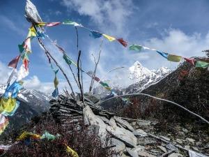 Drapeaux à prières au Tibet